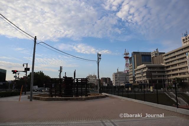 1003噴水広場から見る空IMG_5005