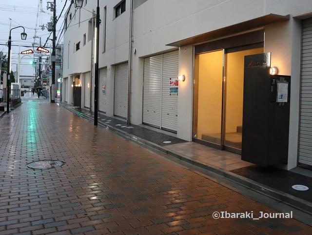1023春日商店街新しいマンションIMG_5825