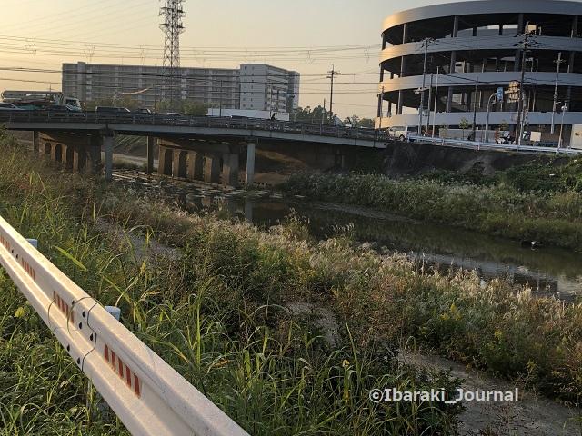 1029R171 のところ茨木川IMG_7492