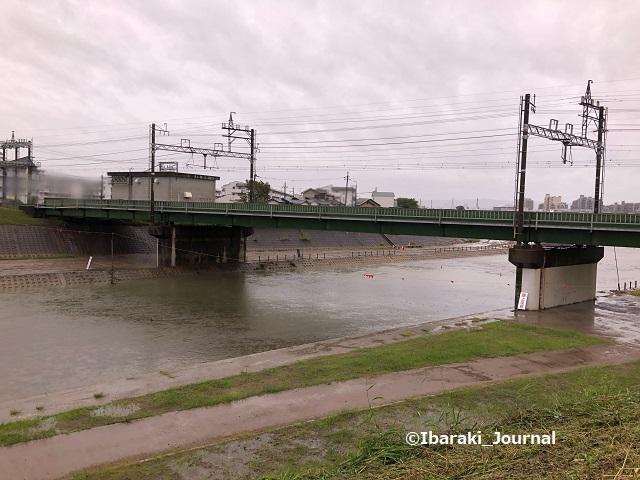 千歳橋そば安威川1009kk