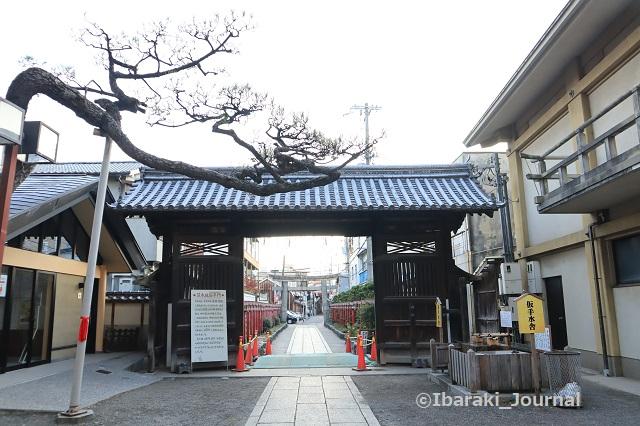 1115茨木神社搦手門IMG_6735