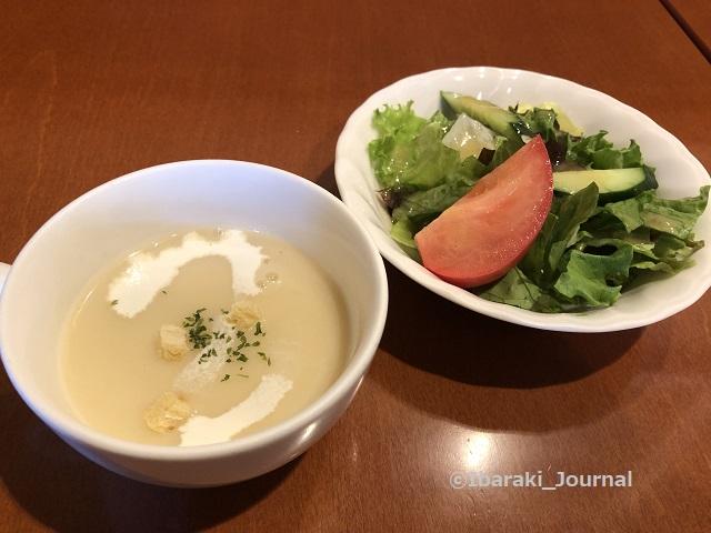 ルミエールランチのスープとサラダIMG_7604