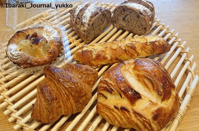 7パラダイス&ランチのパン1DSC_1081