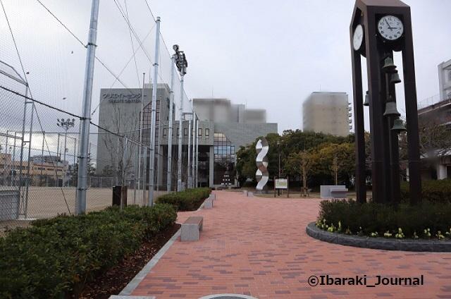 1217-10クリエイトセンターを川端通りから見るIMG_7875