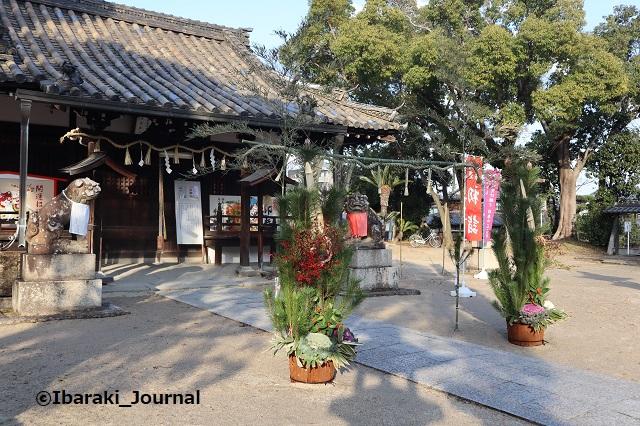 1228井於神社本殿斜めから見るIMG_8043