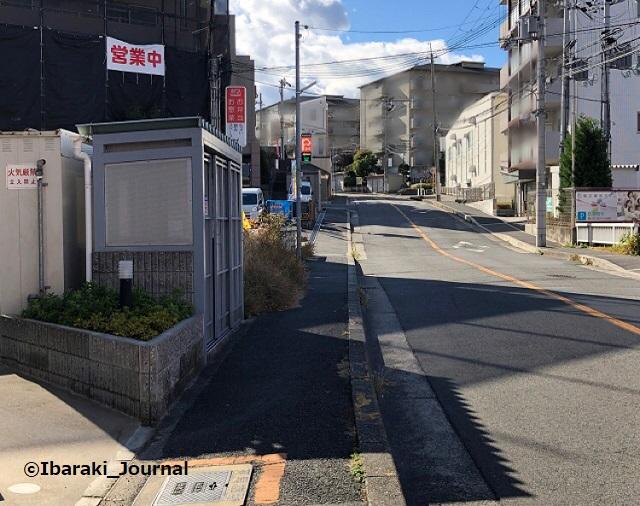 キッチン花子さん前の坂道IMG_8407