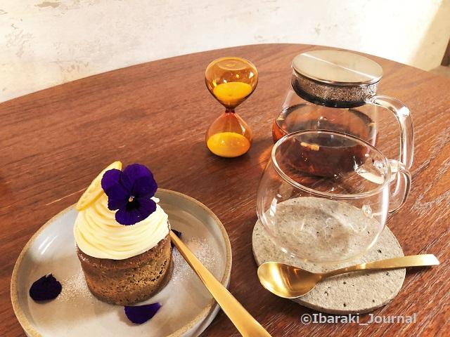 0129お茶とお花とモンブラン紅茶とタルトIMG_9562