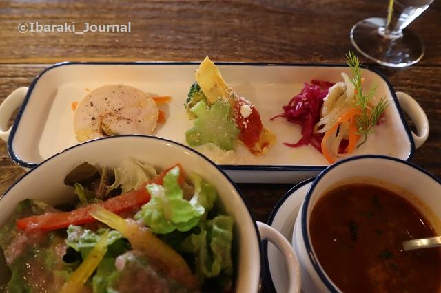 BONDさん前菜とスープとサラダIMG_8614