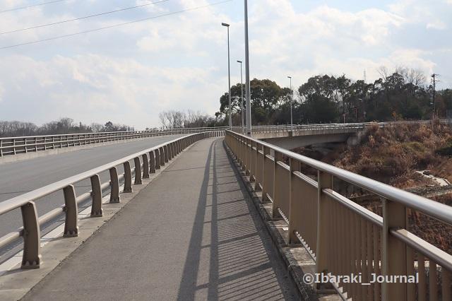 0204大岩口から橋を渡るIMG_8721