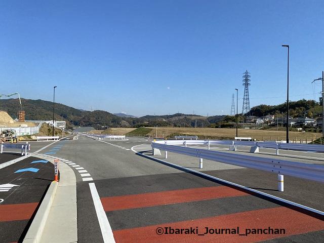 茨木亀岡線から道へ2道路標示地面