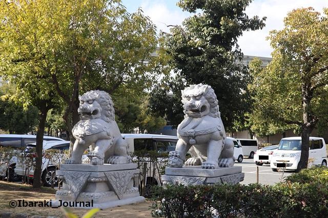 元茨木川緑地のライオン像1IMG_9234