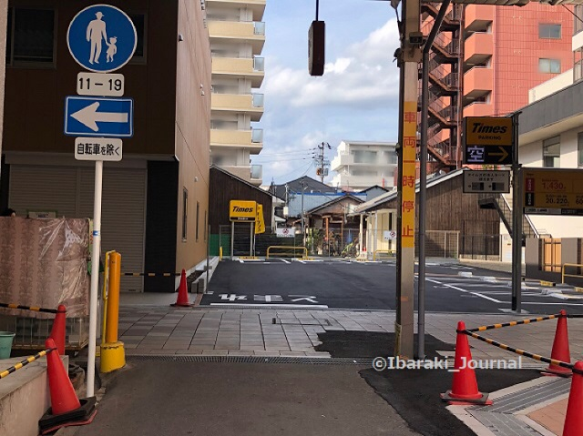 0409阪急本通りの駐車場1IMG_1471