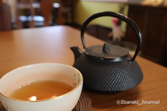 4年食堂のお茶IMG_9923