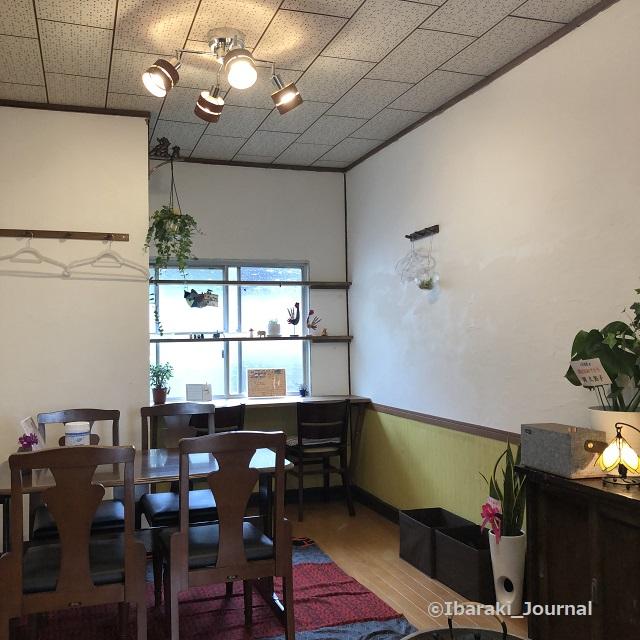 4年食堂店内スクエアIMG_1147