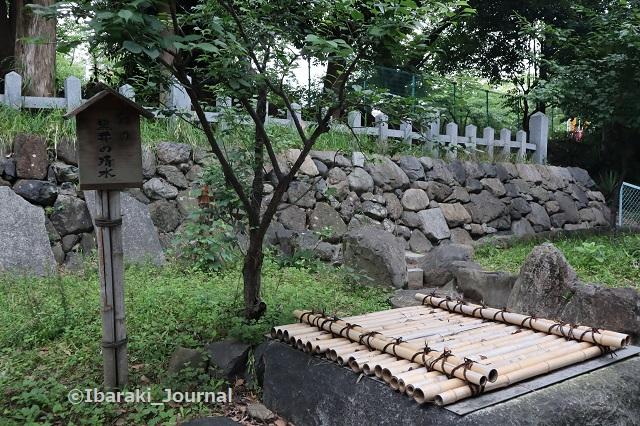 0606茨木神社の黒井の清水IMG_1063