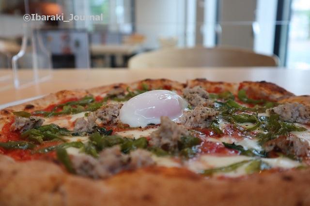0527プレモさんピザ横からIMG_0891
