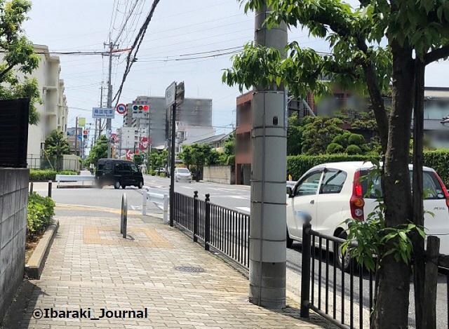 東西通り桑田町東信号から西を見るIMG_2941
