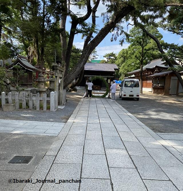 茨木神社茅の輪くぐりの準備