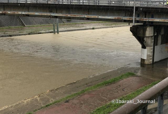 0707安威川を千歳橋からIMG_3654