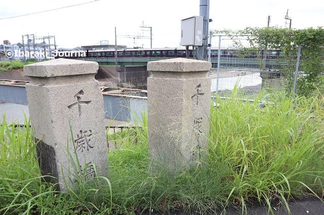 0809千歳橋石柱IMG_2937