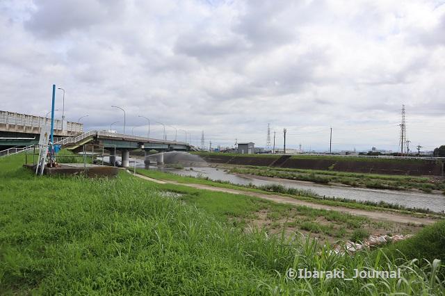 30822あけぼの橋から北安威川IMG_3174