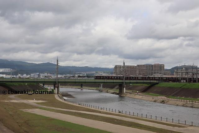 23-20822千歳橋のほうの安威川IMG_3236