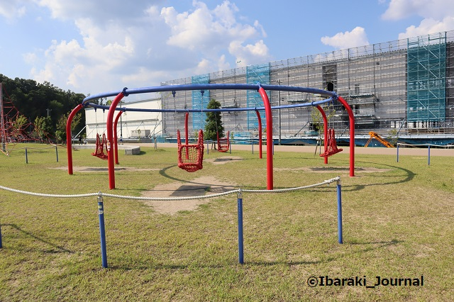 彩都はなだ公園の遊具2ブランコIMG_2565