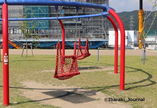 彩都はなだ公園遊具ブランコアップIMG_2564