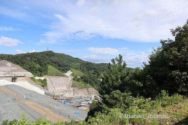 0815安威川ダム向かって右IMG_3027