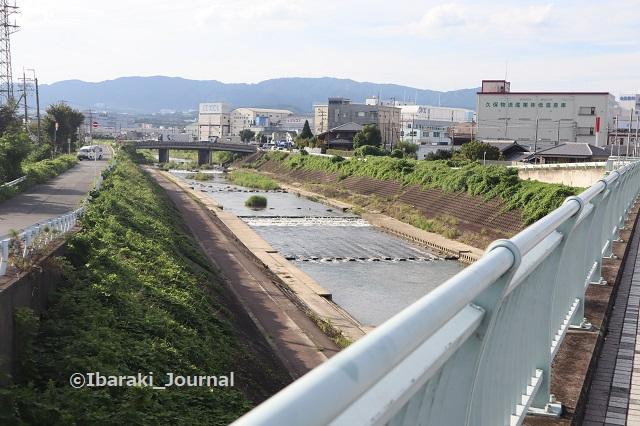 3-0910西河原西の南側田中大橋から茨木川IMG_3955