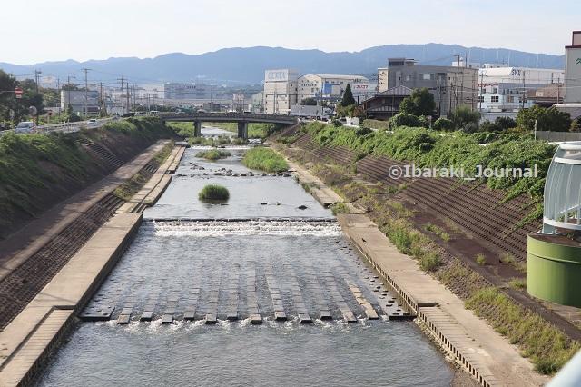 5-0910茨木川むこう春日橋がR171IMG_3960