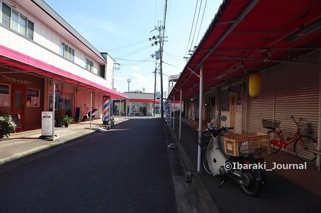 0831北茨木名店街を北側からIMG_3560