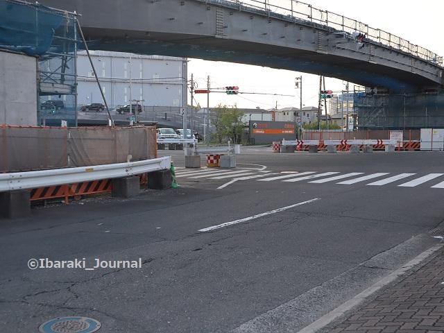 21西河原西交差点の橋を北西からIMG_4858