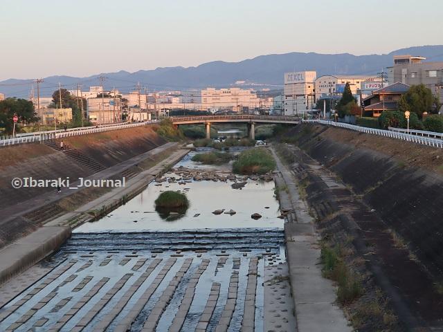 6田中大橋から茨木川見るIMG_4824
